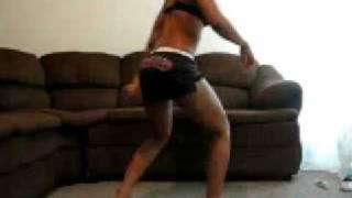 Nasty Girl Bounces Round Butt. WOW Wild Net Girl Dancing!