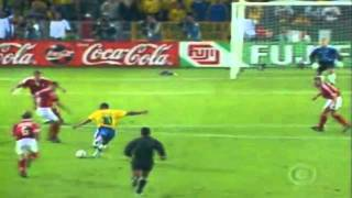 Brazil defeated Denmark 3-2 in the quarterfinals of the French Cup (1998)