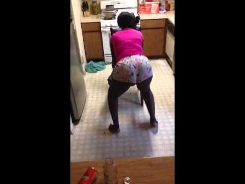 Nigerian booty bounce 2013