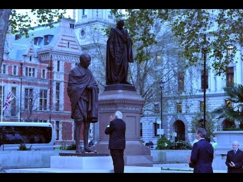 LIVE: PM Narendra Modi pays homage at Gandhi Statue in London,UK