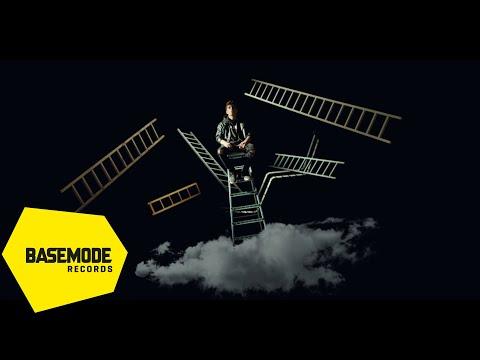 Baneva - Peşindeyim | Official Video