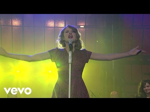 Taylor Swift - You Belong With Me (Live on Letterman)