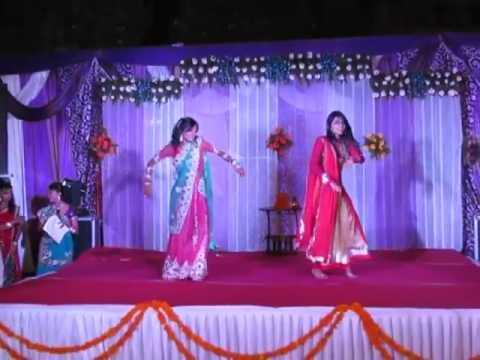 Wedding dance - 2 girls Dhol Bajne Laga