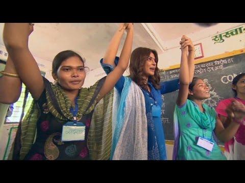 Bollywood star inspires girls to aim high