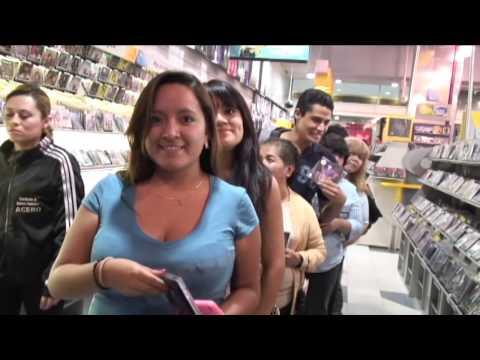 Omar Chaparro en firma de autógrafos - Mixup Parque Lindavista