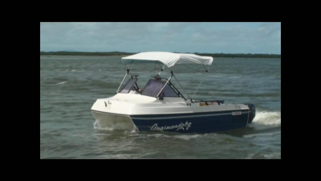 Markham Whaler 4.5m power Catamaran - YouTube