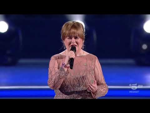 """Susan Boyle_performs """"When a Child is Born_at the Vatican Christmas concert_12/14/2019"""