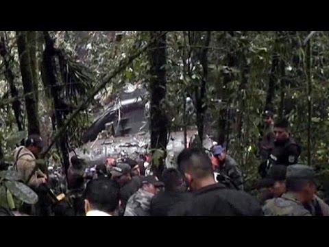 Ekvador'da askeri uçak düştü: 25 ölü