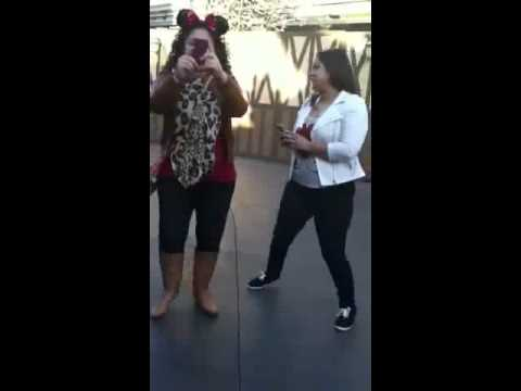 Justin Bieber and Selena Gomez flipping off fans at Disneyland / Justin Bieber shouting