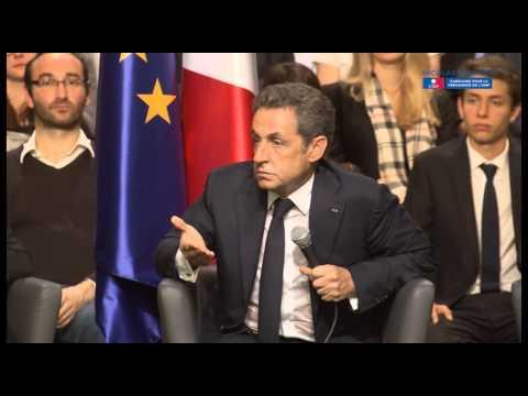 Nicolas Sarkozy échange avec les Franciliens à Vélizy-Villacoublay