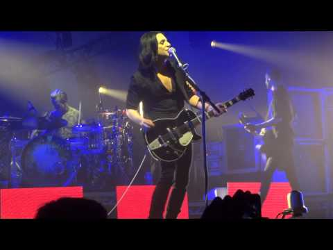 PLACEBO - RUNNING UP THAT HILL [UNIPOL ARENA - BOLOGNA - 23/11/2013]