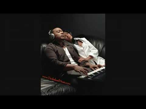 download lagu Timbaland Ft Missy Elliott  - Click Clack gratis