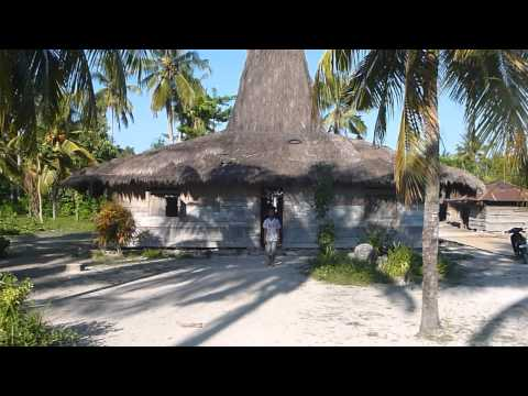 SUMBA - A JOURNEY ACROSS THE ISLAND