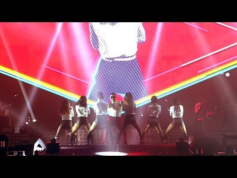 Psy - Gentleman '2013 Psy Concert 달밤에체조 (gymnastics By The Moonlight)' video