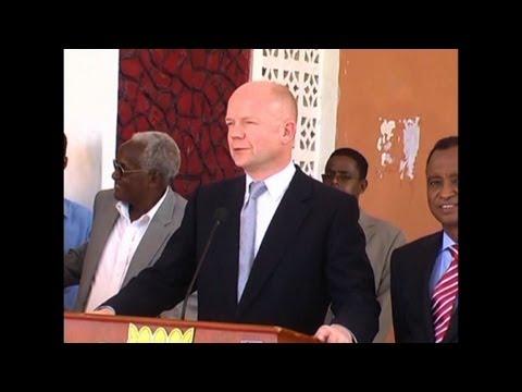 Britain's Hague in landmark Mogadishu visit