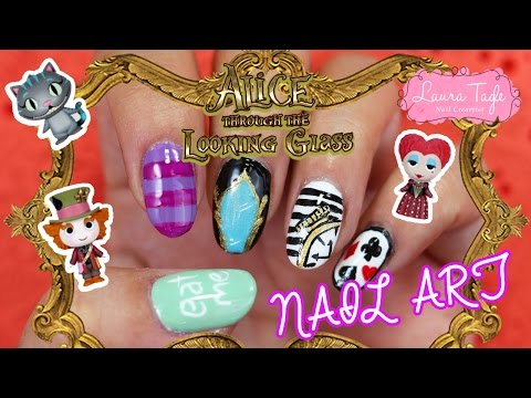 Alice through the looking glass Nail Art