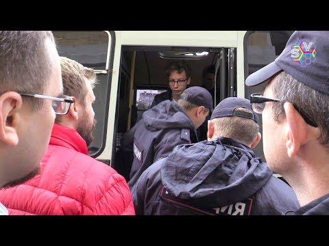 В автозак за майку с Навальным. Большой субботник
