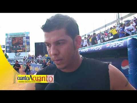 Orber Moreno de los Leones del Caracas responde algunas preguntas para cuantoacuanto TV.