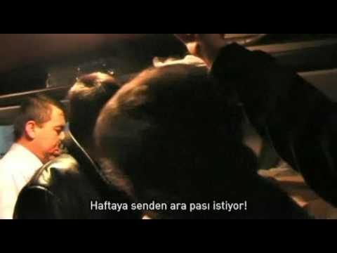 Eski Açık Sarı Desene Filmi'nden; Hasan �a� Felipe'den Dürüm kar�ılı�ı Arapas istiyor.:) Hey gidi Adanalı Deli Haso...