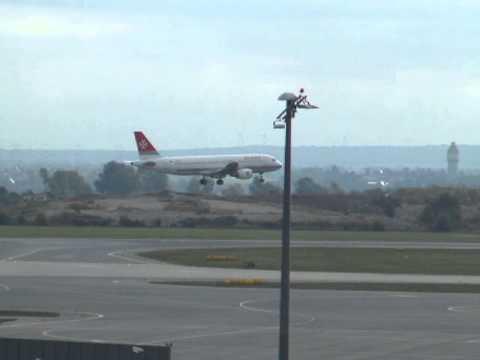 Посадка в Вене Airbus A319 Эир Мальта / Landing in Vienna Airbus A319 Air Malta