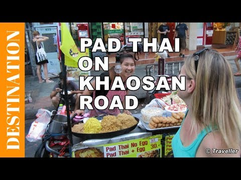 Pad Thai streetfood on Khao San Road in Bangkok, Thailand