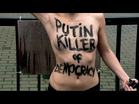 Femen aktivistler Brüksel'de Putin'i protesto etti