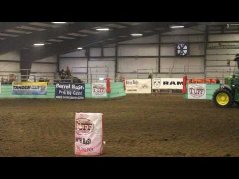 Chelsea Tanner & Dashin For Freedom - 1D run but Tipped 2nd @ Sherburn, MN Barrel Bash
