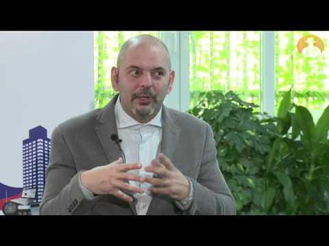 Daniel Estulin presenta en prnoticias 'TransEvolution – the Coming Age of Human Deconstruction