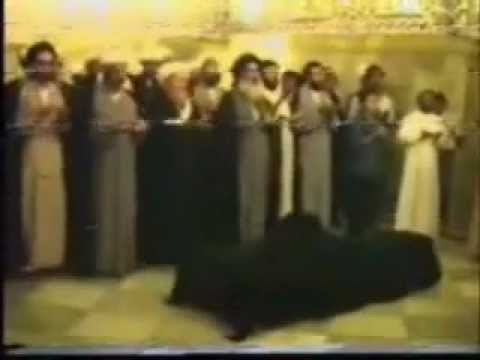 Funeral of Ayatollah Khoei recited by Ayatollah Sistani تشییع جنازه الامام خوئی