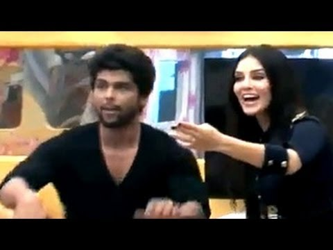 Sunny Leone ENTERS Bigg Boss 7 12th December 2013 EPISODE