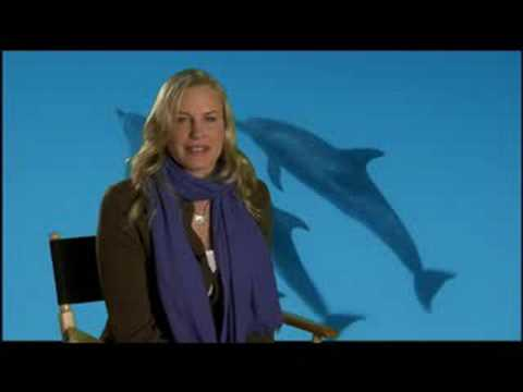 Daryl Hannah on DOLPHINS AND WHALES 3D: Interview