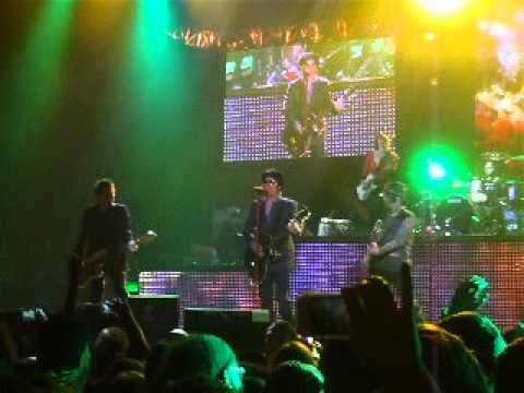 GUNS N' ROSES - 14 Years @ O2 Arena (London, 31 May 2012)