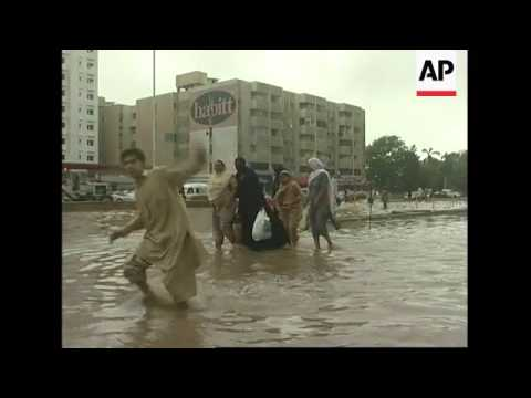 Heavy rain inundates many parts of Karachi, leaving at least 9 people dead