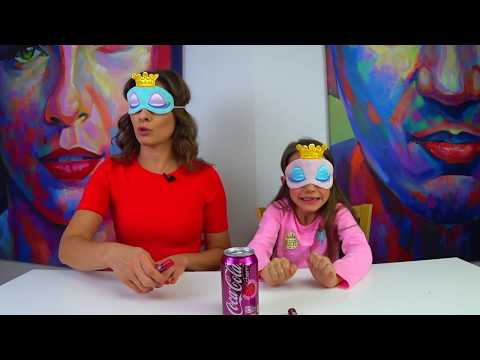 ПОМАДА ЧЕЛЛЕНДЖ Угадываем Бальзамы Для Губ со Вкусом Популярных Напитков Вика против Мамы / Вики Шоу