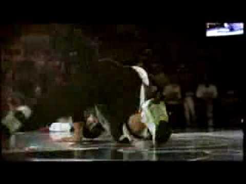Pelezinho Vs. Roxrite  Red Bull Bc One 2006 video