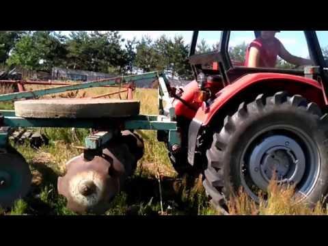 Ursus C-360 test pompy hydraulicznej podnośnika. C-360 podnosi 1 tone [talerzówka talerzowanie]