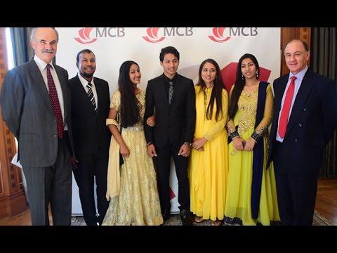 Omar Auleear, féru de maths, remporte la bourse de la MCB Foundation