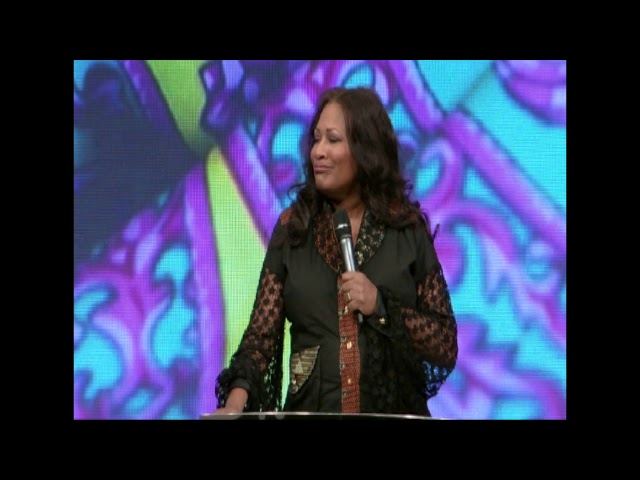 """""""The Friends You Hang Around"""" Michelle McKinney Hammond at Conference"""