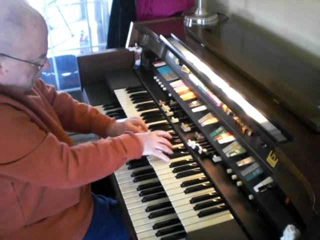 """Mike Reed plays """"What a Friend we have in Jesus"""" on his Hammond Organ"""