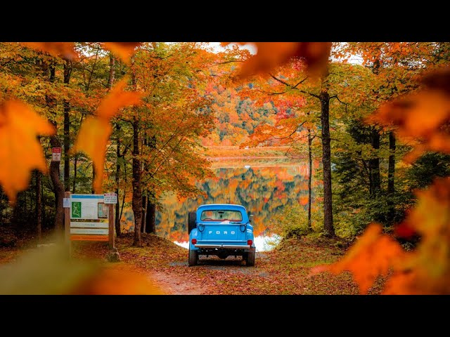 Autumn in Small Town America 🍂  (Best Fall Foliage)
