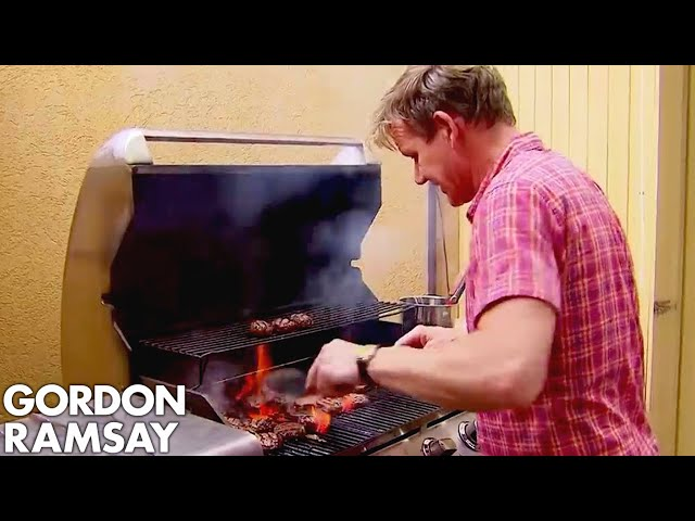 Gordon Cooks Burgers for the Hungry Hotel Guests | Hotel Hell