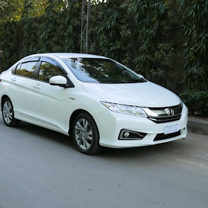 Honda Grace Hybrid Owners Review Price Specs Features Pakwheels Youtube
