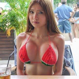 Nackt naomi wu Naomi Wu