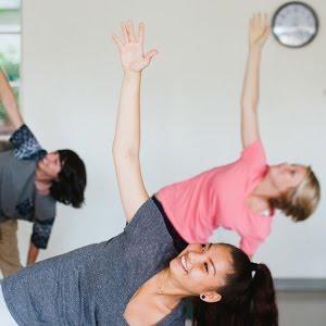 Teens rendent le yoga fun