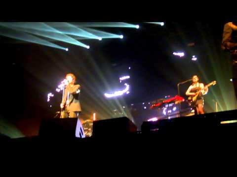 Arm Your Eyes - AaRON - Zenith Paris 4/04/11