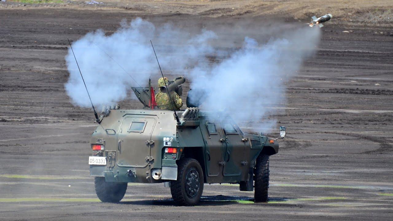 陸上自衛隊】01式軽対戦車誘導弾|Japan's Kawasaki Type 01 LMAT man ...