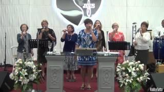 Portador De Tu Gloria Seré  ---   Ministerio Cantares