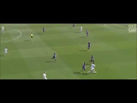 Ricky Álvarez frente a la Fiorentina