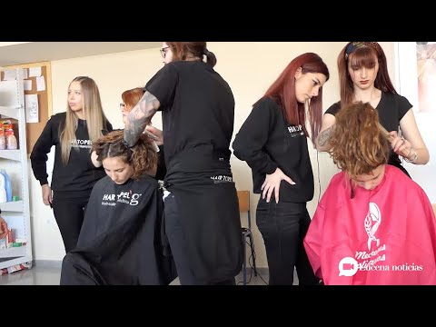VÍDEO: Alumnas del IES Sierra de Aras se cortan el pelo para donarlo a una fundación que confecciona pelucas para niños con cáncer
