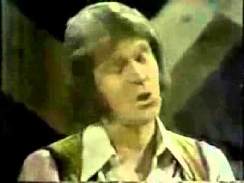 John Denver, Glen Campbell, Johnny Cash, Roger Miller & Mary Kay Place - I'll Fly Away (1977)